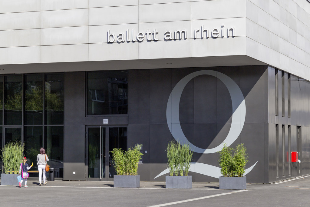 Rehearsal building of the Ballett of the Deutsche Oper in Düsseldorf on the Rhine River, Düsseldorf, Germany